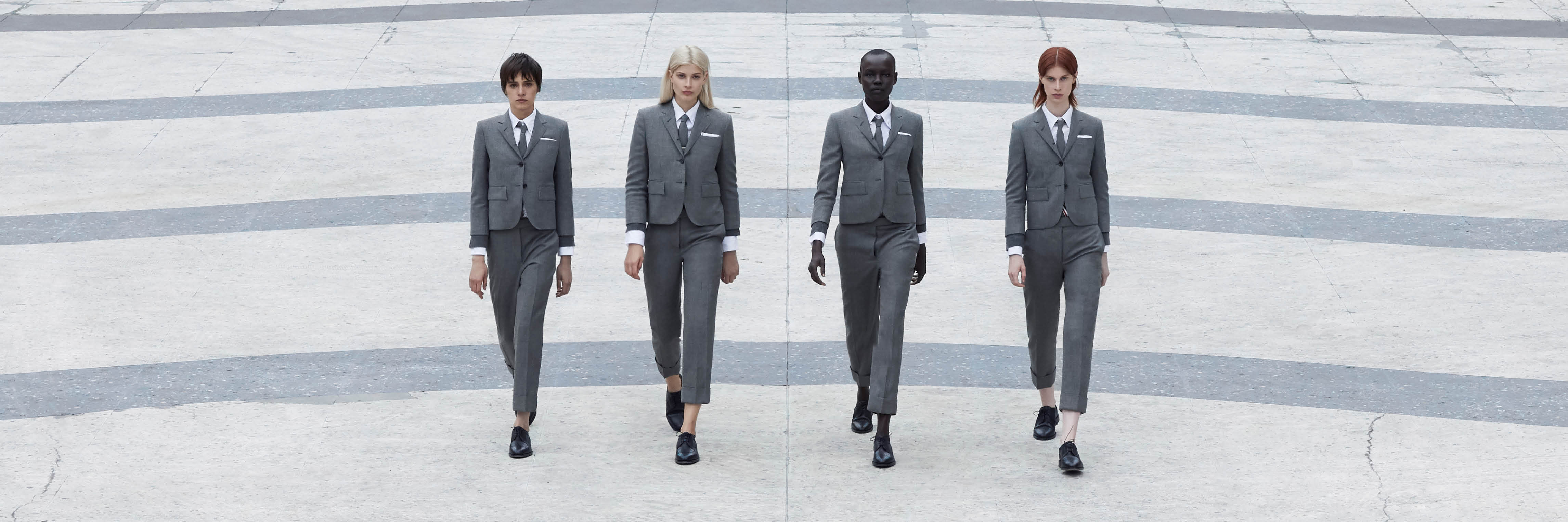 Discover Thom Browne Womens Tailroing