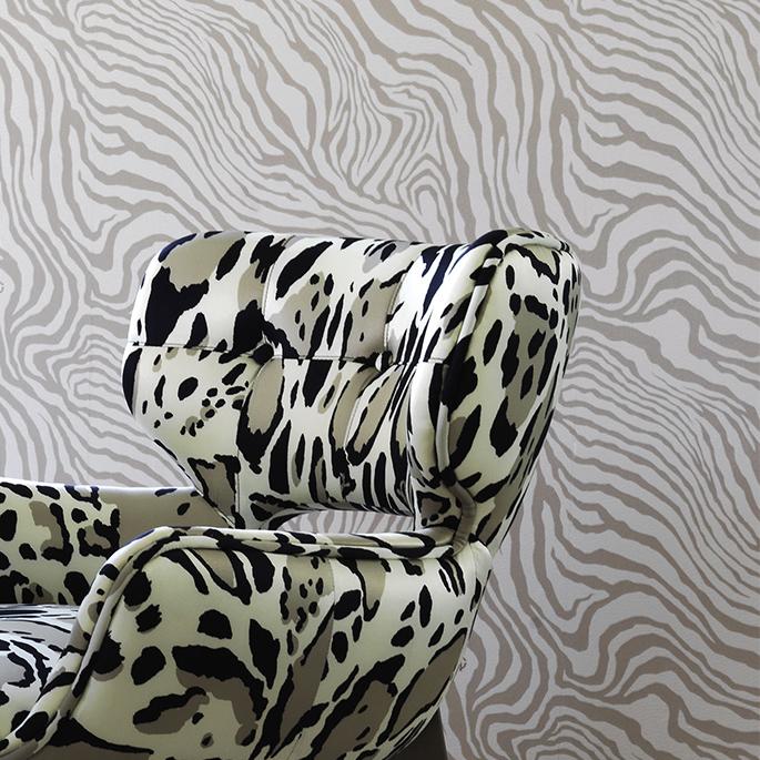 bbd72e43-602d-44e9-a7ae-5fd23fb9ce82_03-roberto-cavalli-wallpaper-lg